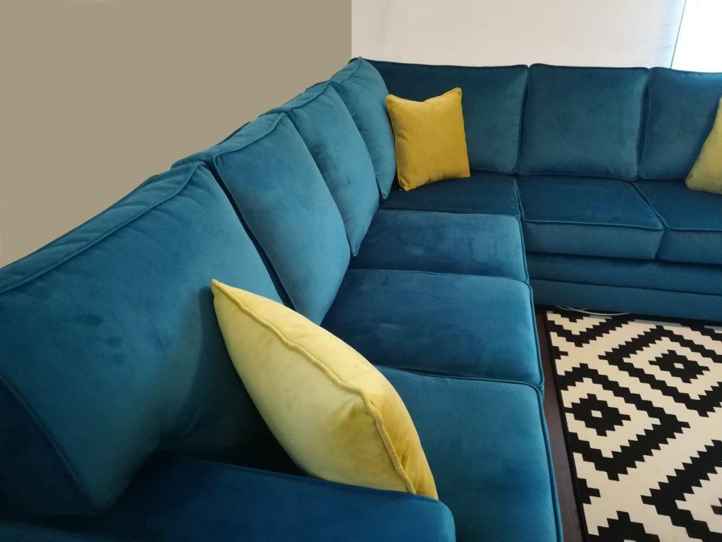 canapea de colt